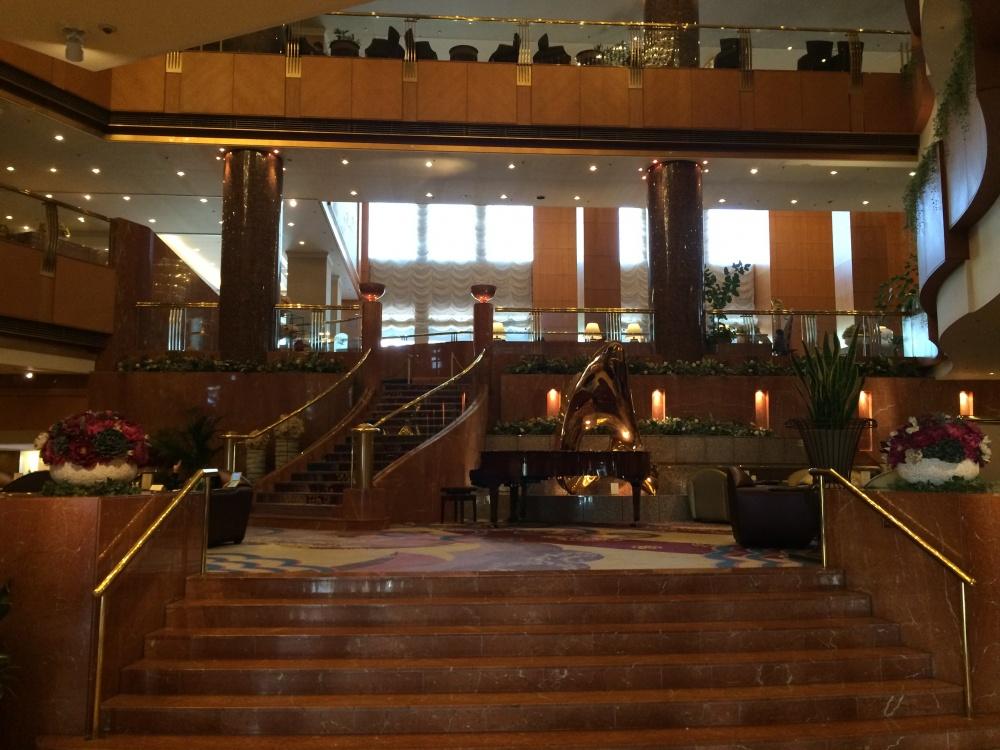 横浜ベイシェラトン ホテル&タワーズフロントロビー