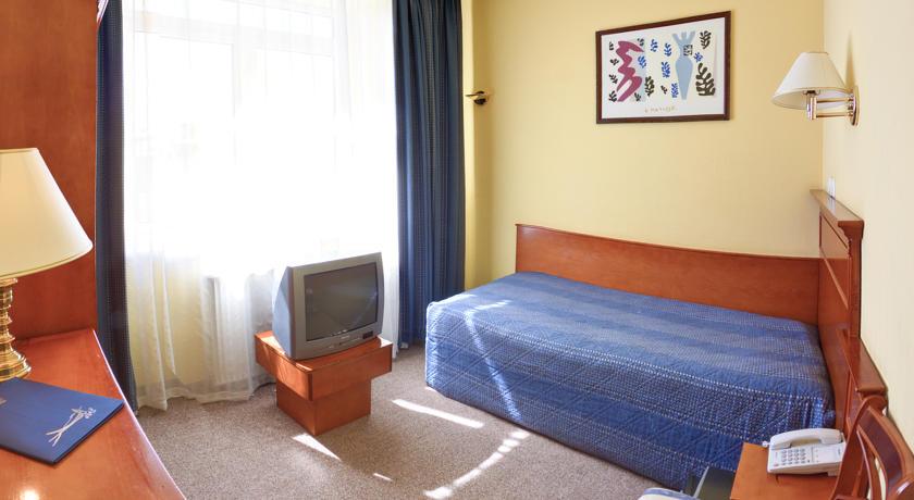 ドニプロ ホテル